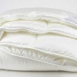 «Tencel Mono» 220×200см. Всесезонное стеганое одеяло. Наполнитель: 50% Tencel, 50% Polyester. Ткань: Сатин (Fine Tencel Sateen), 100% Tencel. Производитель: ТМ «Kauffmann» («Кауфман»), Германия