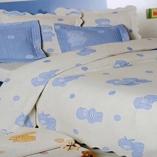 Покрывало детское жаккардовое «ANTONIO SALGADO Ursinhos blue» (голубой). Покрывало без наволочек 160х220см. Состав: 80% хлопок, 20% полиэстер. Производство ТМ «ANTONIO SALGADO», Португалия (поставщик «Европейский Текстиль»)