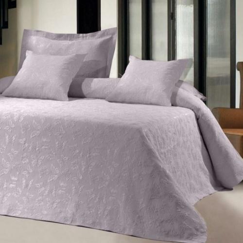 Покрывало 2-спальное жаккардовое «ANTONIO SALGADO Butterfly lila» (сиреневый, лиловый). Покрывало без наволочек 240х270см. Состав: 80% хлопок, 20% полиэстер. Производство ТМ «ANTONIO SALGADO», Португалия (поставщик «Европейский Текстиль»)