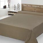 Покрывало 1.5-спальное жаккардовое «ANTONIO SALGADO Origens beige» (бежевый). Покрывало без наволочек 180х270см. Состав: 100% хлопок. Производство ТМ «ANTONIO SALGADO», Португалия (поставщик «Европейский Текстиль»)