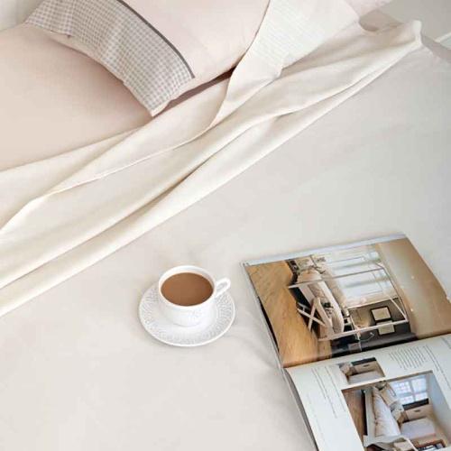 Simple (экрю) Простынь махровая. Состав 100% хлопок. Ткань махра. Luxberry (Люксберри), Португалия