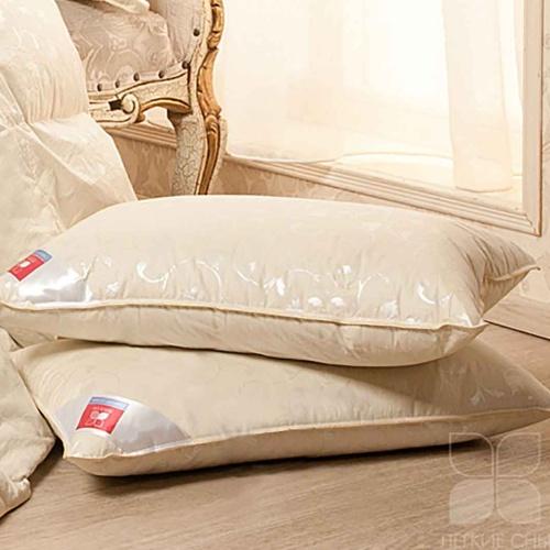 «Камелия» подушка пуховая средняя. Серый гусиный пух 1 категории 85% пуха, 15% пера. Производство ТМ «Легкие Сны», Россия