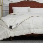 Trois Couronnes Meditation Night Wool & Cedar . Всесезонноетеплое стеганое одеяло. 100 овечья шерсть. Trois Couronnes, Швейцария
