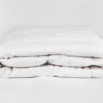 «Sweet Dreams Decke». Всесезонное пуховое стеганое одеяло. 90% белый гусиный пух, 10% мелкое перо. ТМ «Künsemüller», Германия