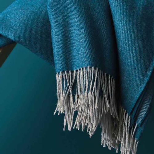 «KATMANDOU BLEU» шерстяной плед с кистями. Плед 100% шерсть мериноса. ТМ «Blanc des Vosge», Франция
