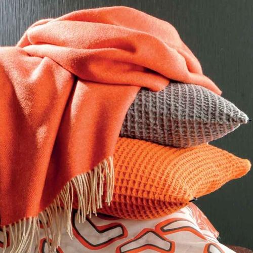 «KATMANDOU ORANGE» шерстяной плед с кистями. Плед 100% шерсть мериноса. ТМ «Blanc des Vosge», Франция